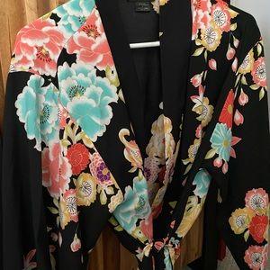 Natori Bold Floral Robe/Kimono/Duster